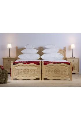 Drewniane łóżko Góralskie 29 do sypialni