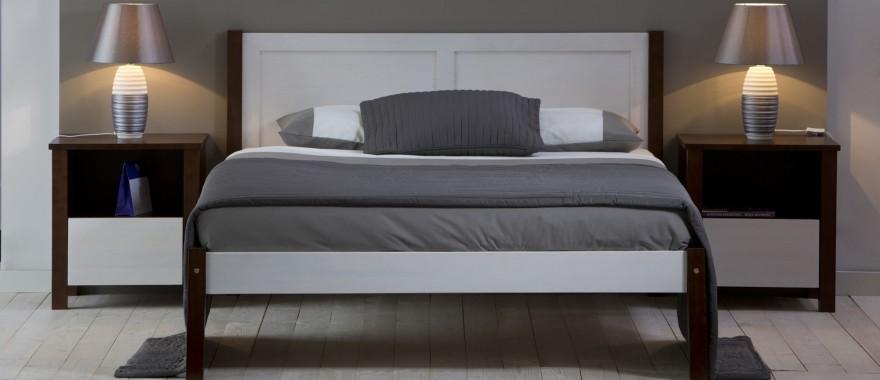 Łóżko i nakastliki drewniane do hotelu Milano